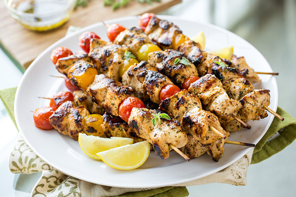 grilled-lemon-chicken-skewers_thecozyapron_05-23-16_1-Edit