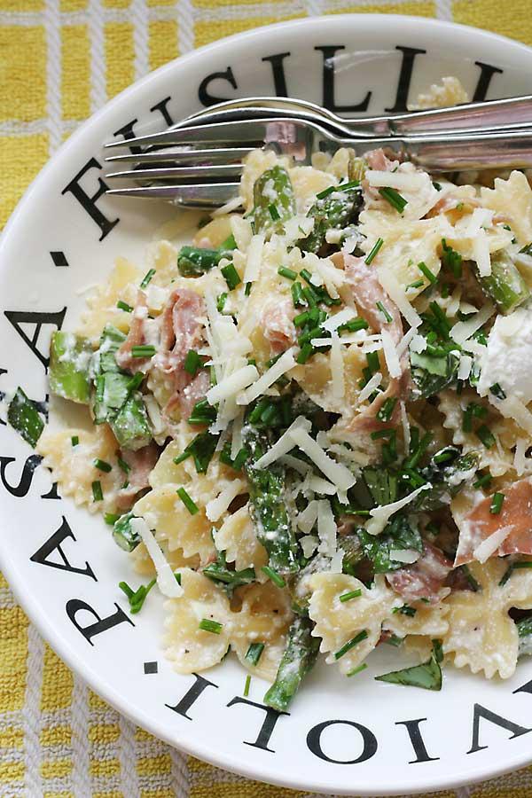 lemony-asparagus-prosciutto-ricotta-farfalle2